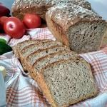 Chleb pełnoziarnisty ze...