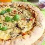 Pizza wiejska z serowym...