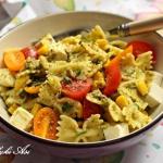Salatka makaronowa z ziel...