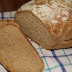 Chleb na zakwasie z platk...