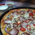 Puszysta pizza z...
