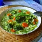 Zupa brokulowa z kasza ja...