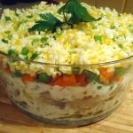 Salatka sledziowa z march...