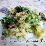 Salatka brokulowa z ziemn...