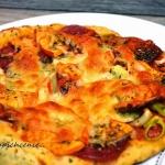 Pizza z dynią i salami...