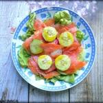 Salatka z lososiem i warz...