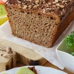 Pelnoziarnisty chleb z zi...