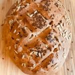 Chleb z orzechami...