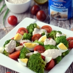 Salatka brokulowo-pomidor...