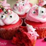 Różowe muffiny z...