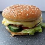 Cheeseburger wołowy z...