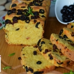 Domowy chleb z oliwkami...