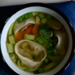 Zupa z warzywami i pieroz...