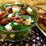 Salatka ze szpinaku z fet...