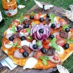 Pizza z pesto paprykowym...