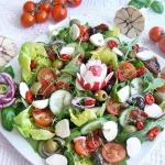 Wiosenna salatka z rzezuc...