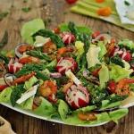 Salatka krewetkowa ze szp...
