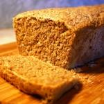 Drozdzowy chleb razowy.