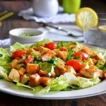 salatka z kurczakiem i mo...