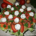 Salatka z kulkami twarogo...