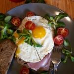 Jajka sadzone na grzance...