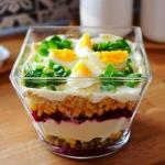Wielkanocna salatka warst...