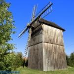 Zabytkowy wiatrak -...