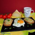 Gorące kanapki z jajem