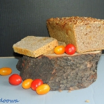 Orkiszowy chleb na pszenn...