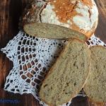 Chleb z ciecierzycy z...