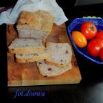 Chleb z orzechami i zuraw...