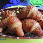 Croissanty z morelami