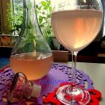 Różowe wino z...
