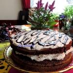 Czarny tort z pigwą i...