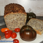 Chleb pszenny z ziarnami...