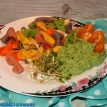 Kolorowy makaron z sosem...