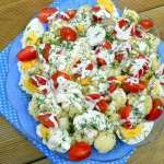 Salatka z kalafiorem, jaj...