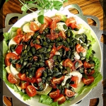 Salatka z awokado i pomid...