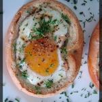 Jajko zapiekane w bułce...