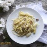 Spaghetti z białymi...