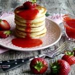 Maślankowe pancakes z...