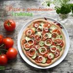 Pizza z pomidorami i...
