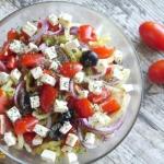Salatka grecka z ogorkowy...