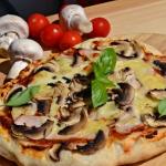 Chrupiąca pizza z...