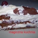 Czekoladowy tort z bita s...