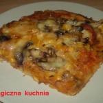 Pizza z pieczarkami z dod...