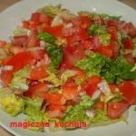 Czerwona salatka z mini k...