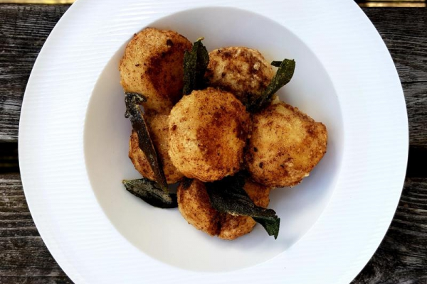 Gnudi with sage and brown butter sauce u R.