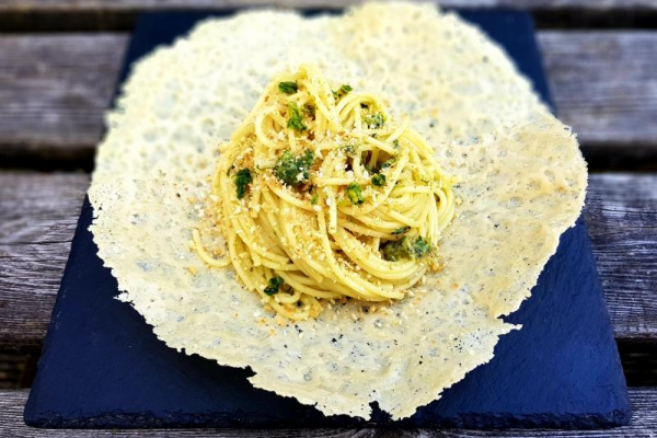 Spaghetti with Parmesan, toasted breadcrumbs and gremolata