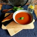 Pomidorowa plus grzanka z...